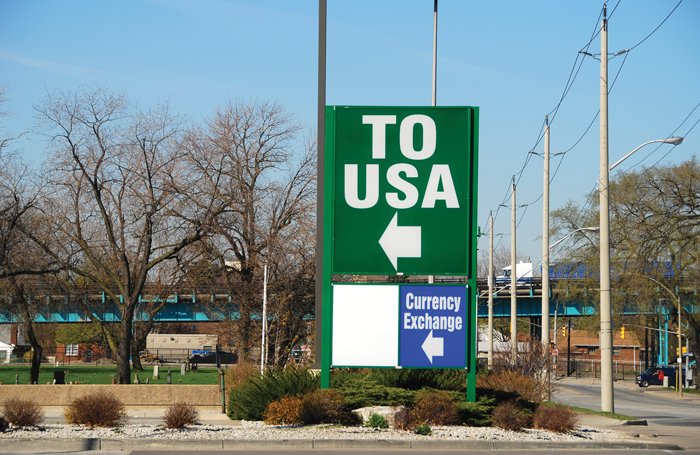 Canada - U.S. border crossing