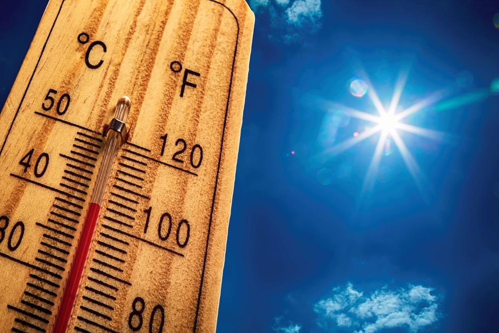Blocking patterns and summer heat waves