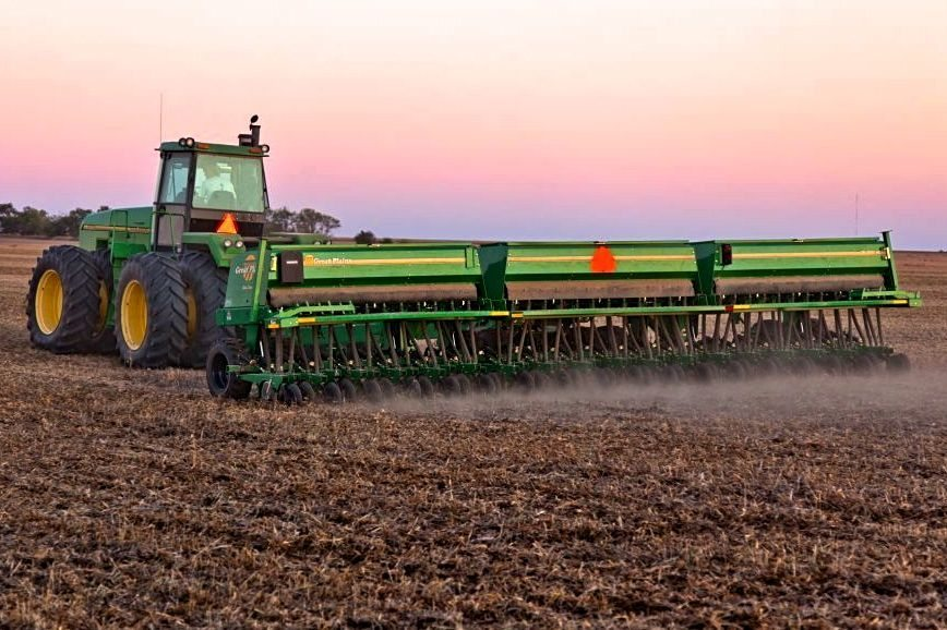 Kansas-based Great Plains Manufacturing, whose 3S-3000HD drill is shown here, is set to become an arm of Japanese manufacturer Kubota. (GreatPlainsAg.com)