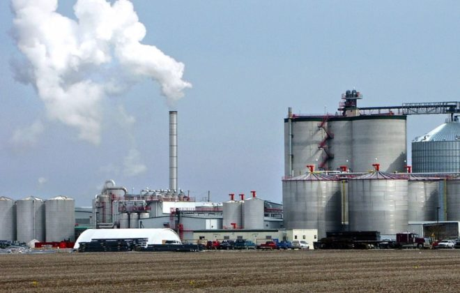 The Big River Resources ethanol plant at West Burlington, Iowa, about 120 km southwest of Davenport. (Steven Vaughn photo courtesy ARS/USDA)