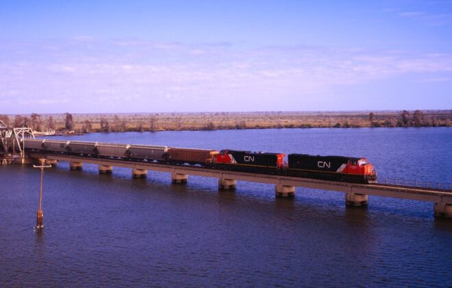 A freight train at Manchac, La., about 75 km east of Baton Rouge. (CN.ca)